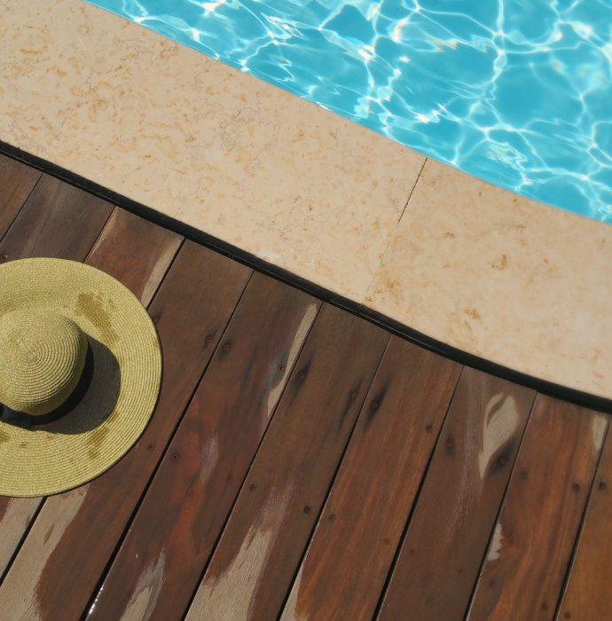 Plataforma de seguridad para piscina